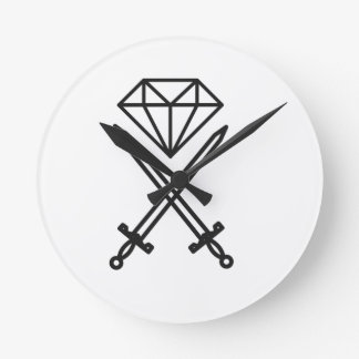 Diamond cut round clock