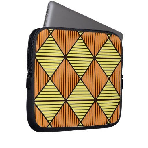 Diamond pattern laptop sleeve