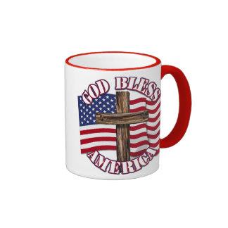 Dieu bénissent l'Américain avec le drapeau et la c Tasses À Café