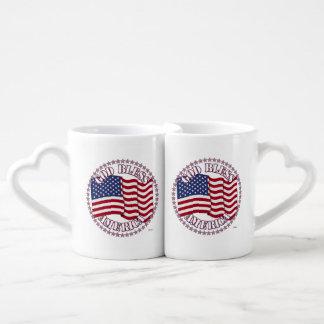 Dieu bénissent l'Amérique avec des étoiles du Tasses Duo