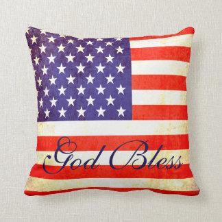 Dieu bénissent le coussin de drapeau de l'Amérique