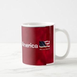Dieu bénissent le drapeau de l'Amérique Mug Blanc