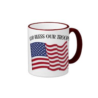 Dieu bénissent nos troupes avec le drapeau des USA Mugs À Café