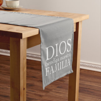 Dios Bendiga Nuestra Familia: White Short Table Runner