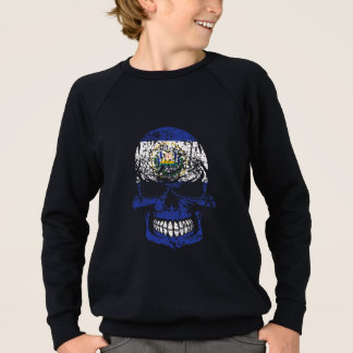 Distressed El Salvadorian Flag Skull Sweatshirt
