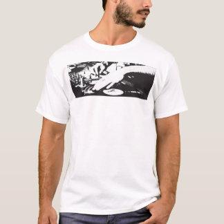 DJs make... T-Shirt