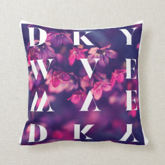 DKYWVE.SHOP Midnight Flower Throw Pillow