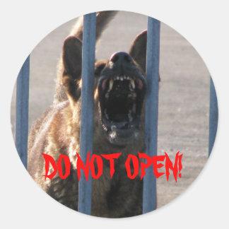 Do not open classic round sticker