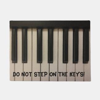 DO NOT STEP ON THE KEYS Fun Piano Keys Design Doormat