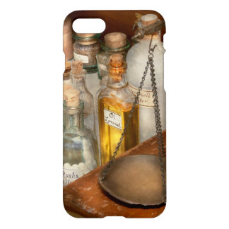Doctor - Field medical kit iPhone 7 Case