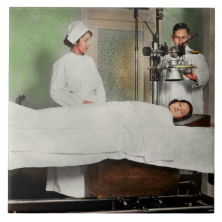 Doctor - Xray - Getting my head examined 1920 Tile