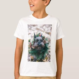 Dog Puppy Pet Animal Christmas Green Garland T-Shirt