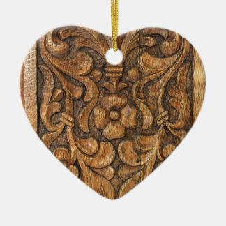 door patern ceramic heart ornament