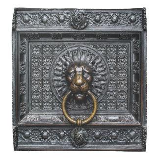 Doorknocker Lion - Black / Gold Bandana