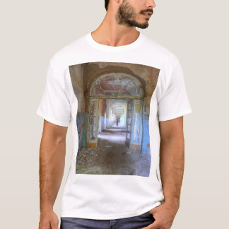 Doors and Corridors 03.0.2.2, Lost Places, Beelitz T-Shirt