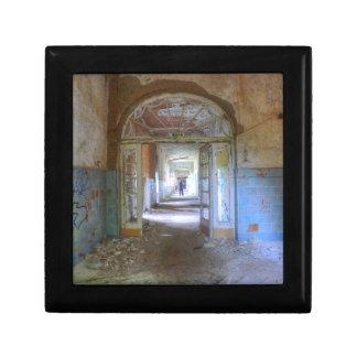 Doors and Corridors 03.0, Lost Places, Beelitz Gift Box