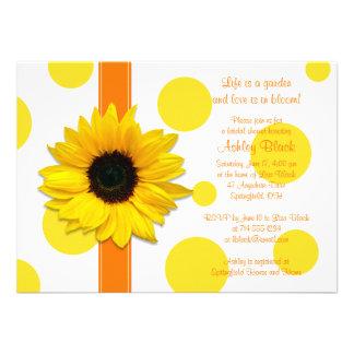 Douche nuptiale jaune-orange de point de polka de faire-part personnalisé