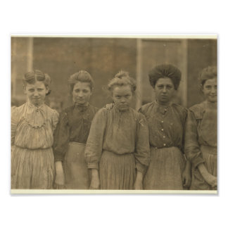 Downtrodden textile mill girls of Payne Mill Photo