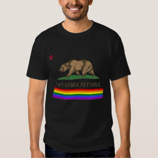 Drapeau d'arc-en-ciel de la Californie Tee Shirts