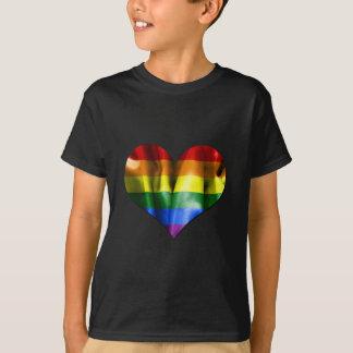 Drapeau de coeur d'amour de gay pride t-shirt