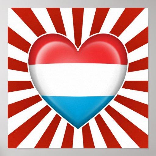 Drapeau de coeur du luxembourgeois avec des rayons poster