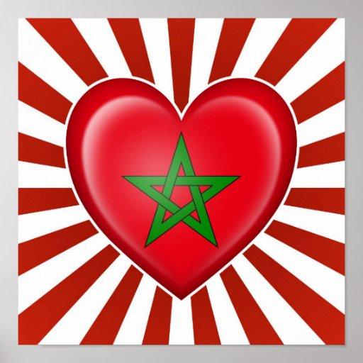 Drapeau marocain de coeur avec des rayons de Sun Affiches