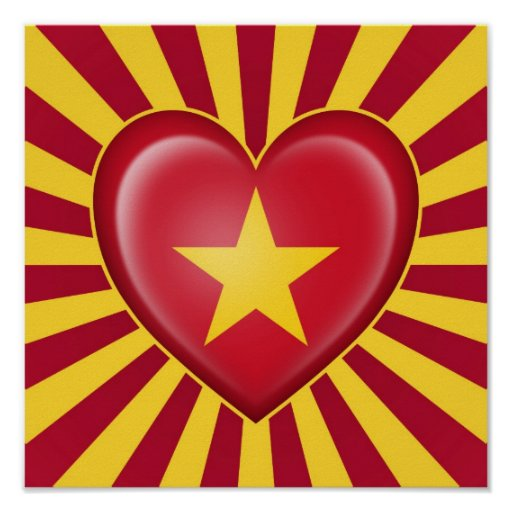 Drapeau vietnamien de coeur avec des rayons de Sun Posters