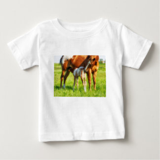 Dreamy, new horse foal with Mama Baby T-Shirt