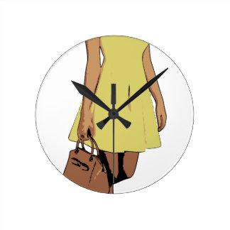 dress round clock