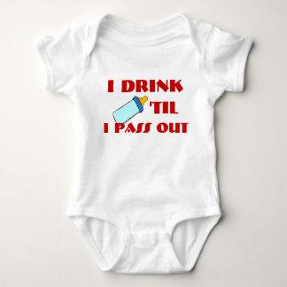 Drink 'TIL I PASS OUT Baby Bodysuit