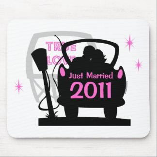 Drive In Newlyweds Keepsake Mousepad