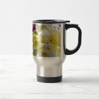 Drowsy Daffodil Travel Mug