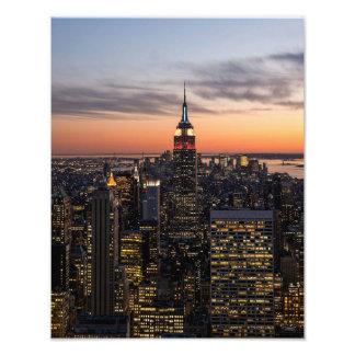 Dusk falls on Manhattan - Photo Print