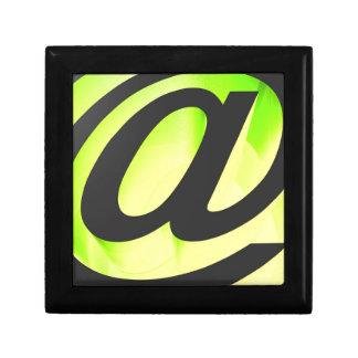 E-mail icon gift box