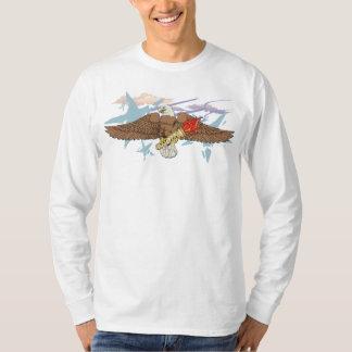 Eagle audacieux avec la torche éternelle #4 t shirt