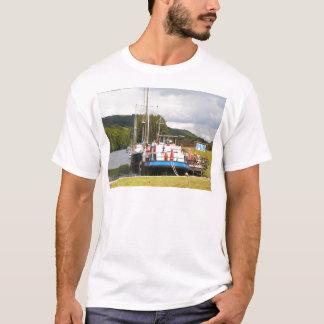 Eagle Inn pub barge, Scotland 2 T-Shirt