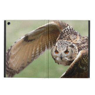 Eagle Owl In Flight iPad Air Cover