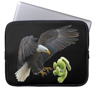 Eagle scares to a teddy laptop sleeve