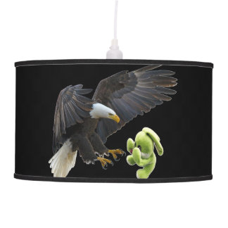 Eagle scares to a teddy pendant lamp
