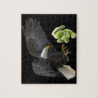 Eagle scares to a teddy puzzles