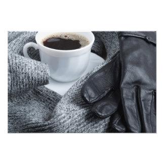 Écharpe grise de laine et gants en cuir photos