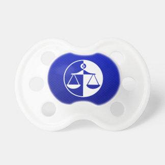 Échelles bleues de justice tétines