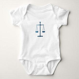 Échelles de justice body