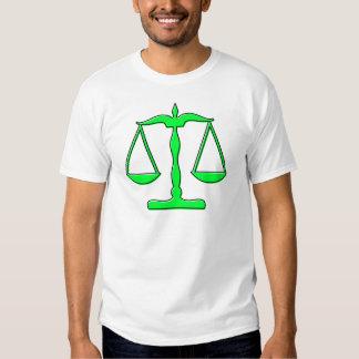 échelles d'oddRex de justice T Shirts