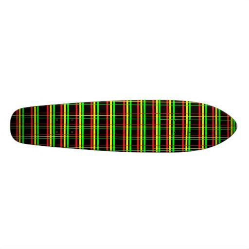 École de Rasta de plaid vieille Planches À Roulettes Customisées