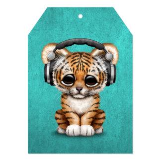 Écouteurs de port mignons de CUB de tigre DJ sur Carton D'invitation 12,7 Cm X 17,78 Cm