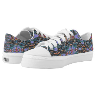 Edgy urban fantastic masculine design Low-Top sneakers