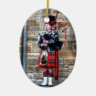 Edimburgh Ceramic Oval Ornament