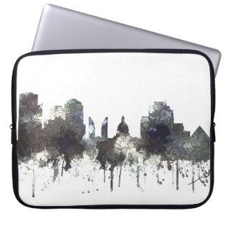 Edmonton Alta. Skyline-CRISP Laptop Sleeve