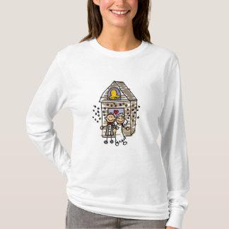 Église de congé de jeunes mariés t-shirt